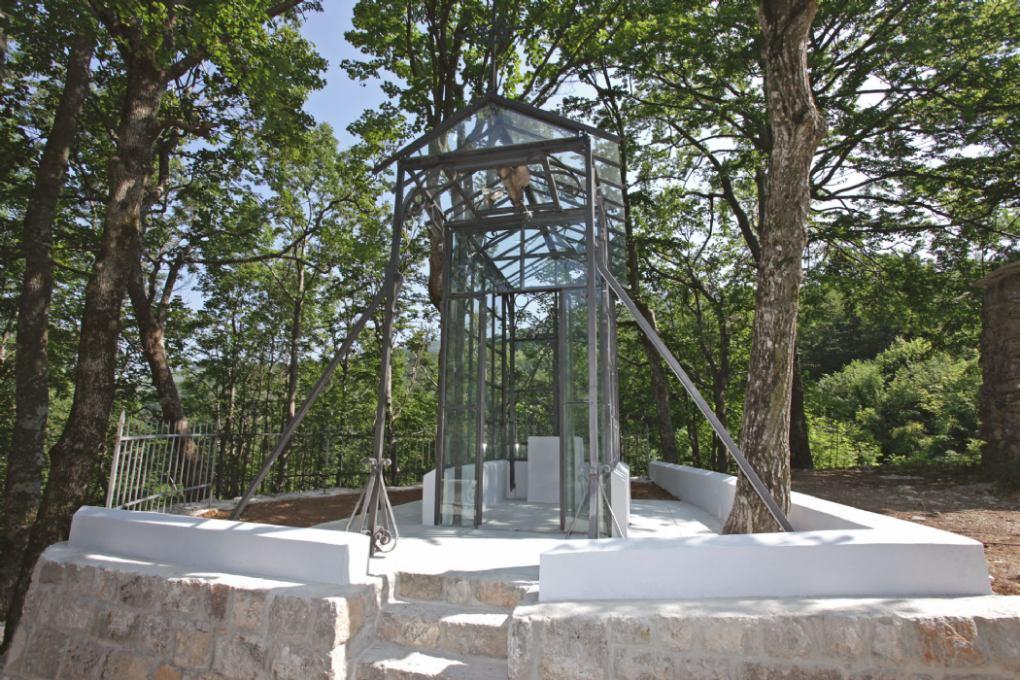 Staklena kapelica - Uzvišenje sv. Križa